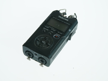 Rent: Tascam DR-40 Linear PCM Recorder