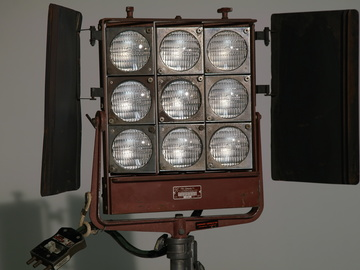 Rent: Mole Richardson Nine-Light MoleFay