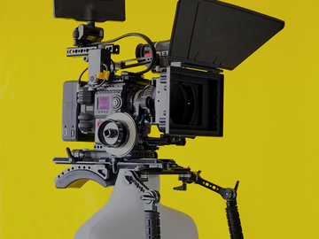 Rent: RED WEAPON HELIUM 8K s35 Camera Zeiss CP.2 Package