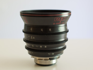 Rent: Red Zoom 18-50mm F 2.8