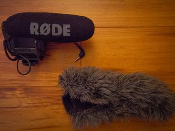 Rent: Rode VMPR VideoMic Pro R w/ Rycote Lyre Shockmount & Deadcat