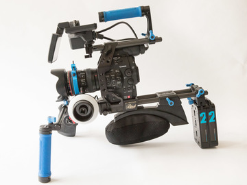 Rent: Canon C300 EF Dual Pixel Ultimate Field Cinema Kit
