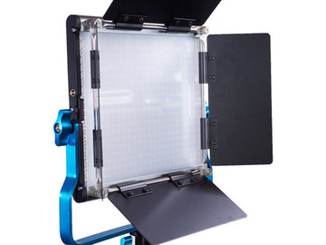 Rent: 1x1 95 CRI Dracast LED500 S panel w/ V-mount plate &  stand