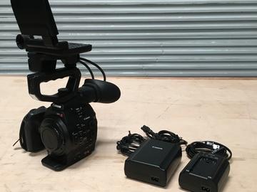 Rent: Canon Cinema EOS C300 (AF)-Dual-Pixel CMOS AF Model Kit