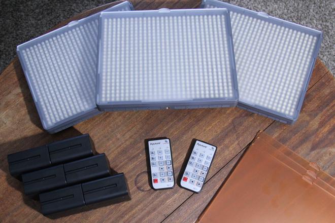 Aputure HR672 (3 LED Panel Kit)