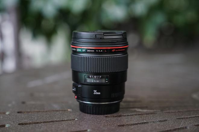 Canon EF 35mm f/1.4 L Series