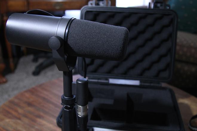 Shure SM7B Dynamic Microphone (Studio Voiceover)