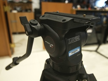 Rent: Cartoni Focus 8 Tripod