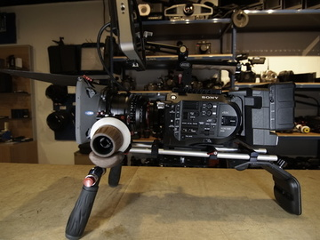 Rent: Sony FS7 Cinema Shoulder Mount Kit with SmallHD 702