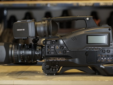 Rent: Sony PMW 400 XDCAM with 16X Zoom Lens