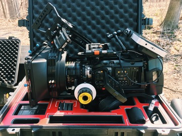 Rent: Ursa Mini Pro Package PL or EF. Small HD 702 Bright + 24-105