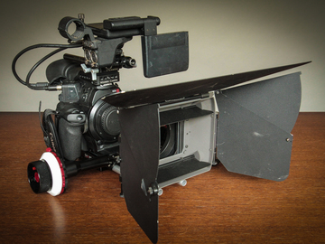 Rent: Canon C300 Mk.I Cine Package