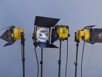 Rent: Lowel D Light (DP Light) 1000W Open Face Kit (4 Lights)