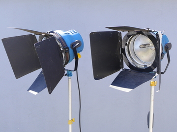 Rent: 2 x Arri 2k (2000w) Open Face Lights