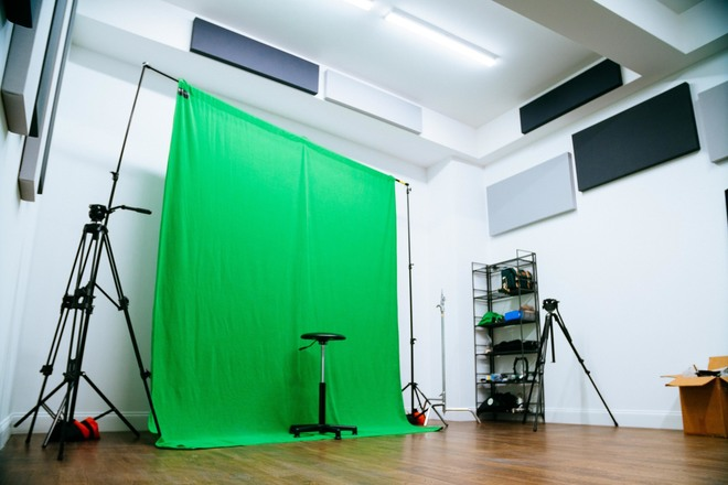 Green Screen Backdrop w/ C-Stands