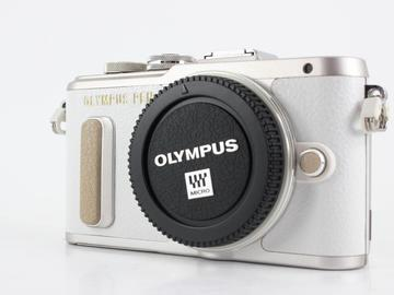 Rent: Olympus PEN E-PL8