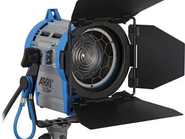 2 - Arri 300w Plus Fresnel  (2 Units)