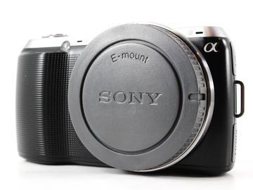 Rent: Sony Alpha NEX-C3