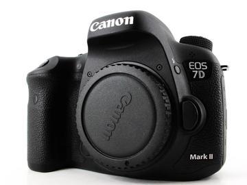 Rent: Canon EOS 7D II