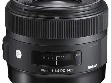 Sigma Wide Angle DC HSM 30mm f/1.4 Prime Lens