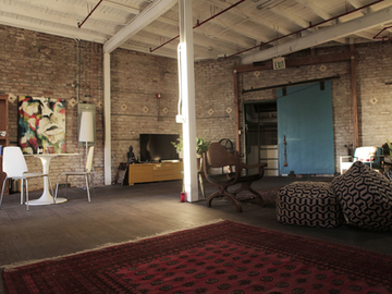 Rent: 4000sqft NY loft style stage w/ profoto gear, cyc wall, roof