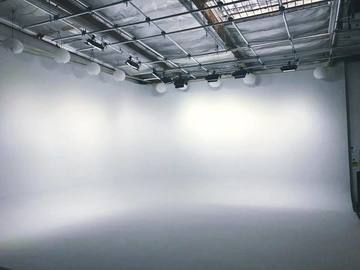 Rent: 3600 sqft studio space with 50ft White CYC