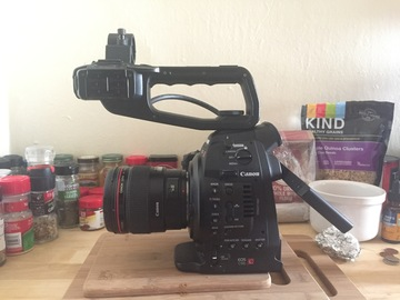 Rent: Canon C100 Production package