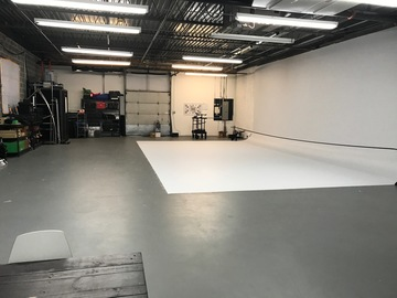 Rent: MSquared Studio w/Cyc