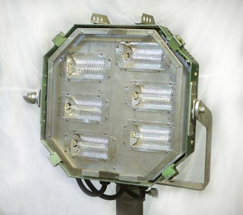 Barger Baglite 6-Lite V 2 w/ Medium Chimera Softbox & Stand