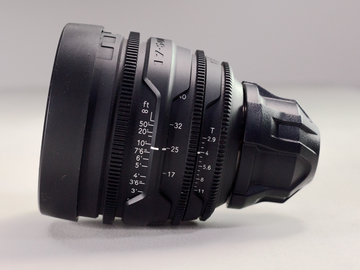 Rent: Red Pro Zoom – 17-50mm T2.9