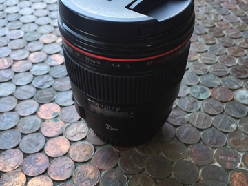 Rent: Canon EF 35mm f/1.4