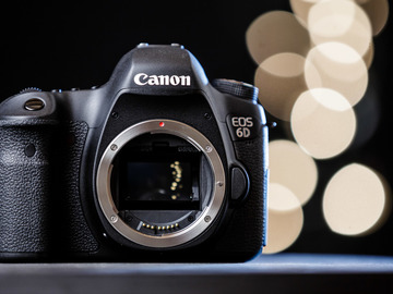 Rent: Canon 6D Body(Similar to 5D) +4 Batteries/Cards/Accessories