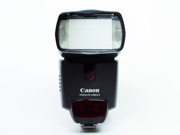 Rent: Canon Speedlite 430EX II Flash