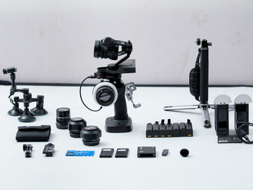 Rent: DJI Osmo Raw w/ X5R camera (12,15,25,45mm) 2 SSD, Focus, Ext