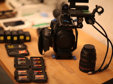 Rent: C300 Kit w/ lenses, 5 batteries, 10 CF Cards...