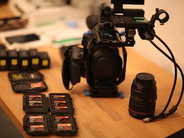 Rent: C300 Kit w/ lenses, 5 batteries, 10 CF Cards...