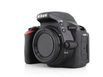 Rent: Nikon D5600
