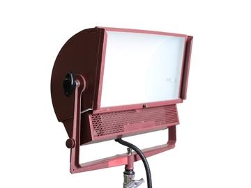 Rent: Mole Richardson 2k Zip Light