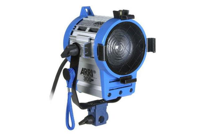 ARRI 300W Fresnel (1 of 2)