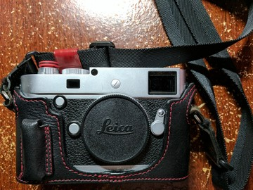 Rent: Leica M (M-P) typ240 Body w/ Accessories