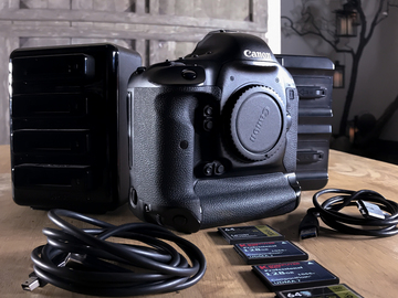 Rent: Canon EOS-1D X BASE PACKAGE (Includes Extras)
