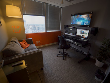 """Rent: Private Edit Bay w/ iMac 27"""" 5K Retina and Client Couch"""