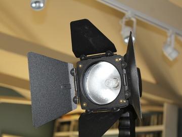 Kobald 200 HMI a/c ballast hotstrike bulb stand convertor