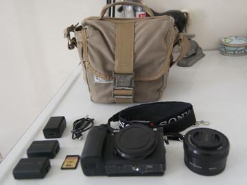 Rent: (Kit) Sony a6300 + 16-50mm lens + batteries + SD card + Bag