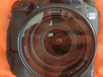 Rent: EOS Canon 60D battery grip and 24-105L