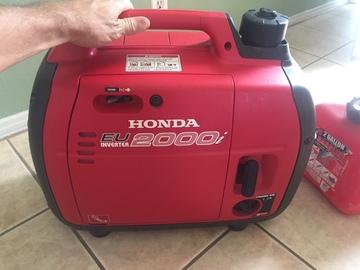 Rent: Honda Eu2000i SILENT GENERATOR (2000 Watt )
