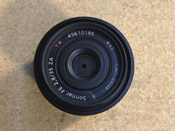 Zeiss Sonnar FE 35mm F/2.8  w/ bag or pelican case
