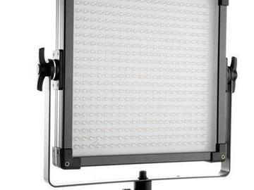 Rent: F and V 1x1 Daylight LED Light Kit