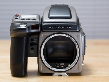 Rent: phase one p25+ for Hasselblad