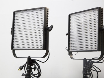 Rent: Two Litepanel LP-1x1 bi-color with batteries